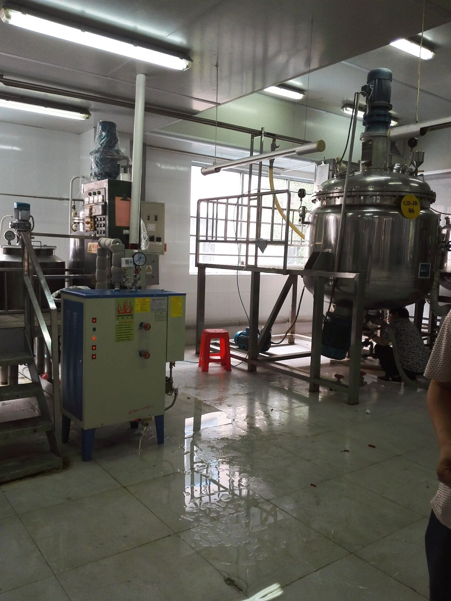 电蒸汽发生器配套夹层锅灭菌锅